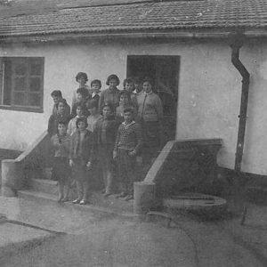 Одно из первых здание русской школы. Ныне здание архива. 1950-60 гг.