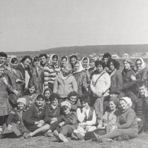 Субботник в зоне отдыха. Апрель. 1976 г. Фото из архива Леонида Ходько.