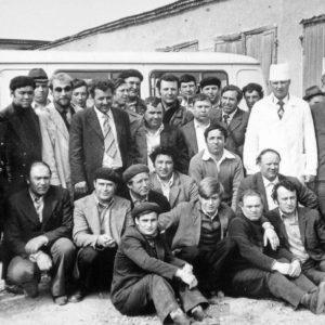 Коллектив гаража. 1983 г. Фото предоставил Сергей Балабан.