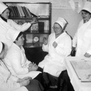 Коллектив медсестер инфекционного отделения. 1976 г. Фото предоставил Сергей Балабан.