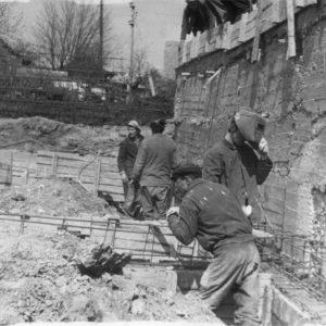 Предположительно, строительство жилого дома по улице Александру Чел Бун (на против кинотеатра). 1985-1986 гг.