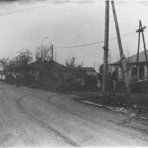 Центральная улица города. В здании справа сегодня находится Cimislia Gaz 1960-70 гг. Источник: Дмитрий Дука.
