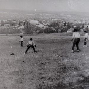 Вид с горки (оврагов). 1986 г. Фото из альбома Леонида Ходько.