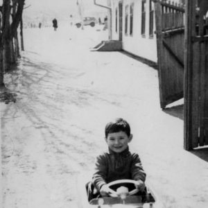 На одной из центральных улиц Чимишлии. В районе рынка. Фото из семейного архива Анны Ашуровой.