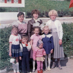 Центр города Чимишлия. На фоне нынешний Районный Совет. 1989 год. Фото предоставил Константин Котруцэ.
