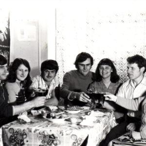 Максим Колца с женой и Тудор Кобзак с женой. Новый 1976 год. Источник: Иван Корнеску.