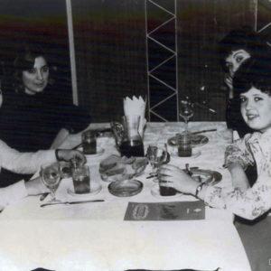 В ресторане. Школа искусств. 70-е. Источник: Иван Ганели.