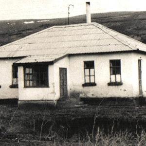Здание в селе Липовены.