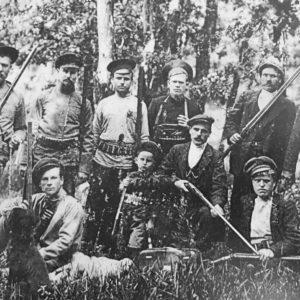 Село Троицкое. Судя по всему групповое фото на охоте. Источник: ok.ru Татьяна Думанова.