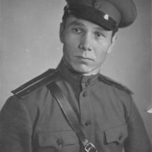 Албот Иван Антонович. Начинал свою врачебную карьеру в качестве военного хирурга и продолжил уже в качестве штатного хирурга в городе Чимишлия.