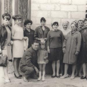 Групповое фото работников Дома Быта.